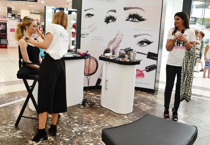 6 - Make up tutorial on the Frenchgate malls